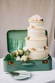 Vintage Travel Wedding Cake T