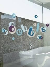 badezimmer fenstersticker bubbles bad fensterbilder fensterfolie kacheldekore