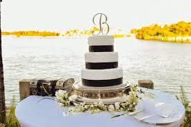 Pretty Bahamas Wedding Cakes