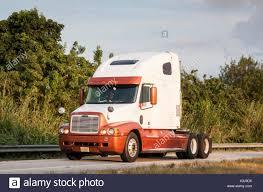 100 Century Trucking Freightliner Semi Trailer Stock Photos Freightliner Semi Trailer