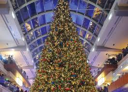 75 Foot Christmas Tree by Building The Galleria U0027s Massive Christmas Tree Houstonia