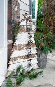 Reclaimed Wood Christmas Tree And Star In Chippy White Boards For A Front Porch Funkyjunkinteriors
