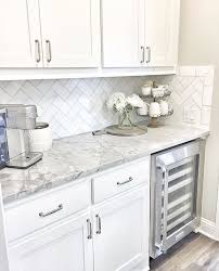 Kitchen Countertop Decorating Ideas Pinterest by Best 25 Gray Kitchen Countertops Ideas On Pinterest Marble