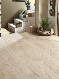 parquet chambre parquet blanc le revtement de sol bois blanchi cest chic chic