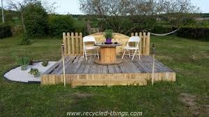 Garden Deck Bed With Wooden Pallets