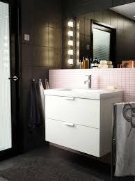 eclairage salle de bains lequel choisir côté maison