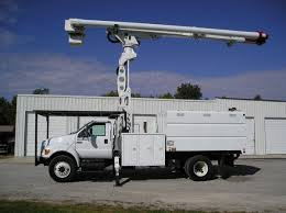 100 Ford Bucket Truck S