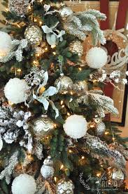 Christmas Tree Flocking Spray by 10 Ways To Creatively Decorate Your Christmas Tree Jennifer Rizzo