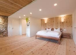 parkett naturholzboden im schlafzimmer mafi