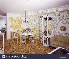 1970 1970s wohn esszimmer zimmer essecke tisch gelb stühle