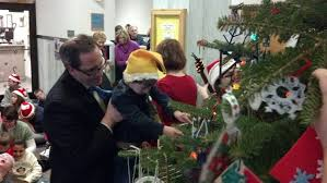 Shopko Christmas Tree Decorations by Syble Hopp Students Decorate Christmas Tree In Brown County