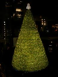 The Swarovski Crystal Covered Christmas Tree At Toronto Eaton Centre In 2006