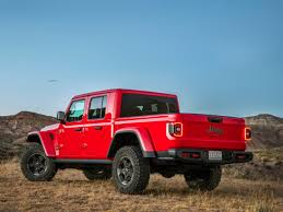 Jeep Gladiator Pickup Truck Debuts To Take On Ford, Chevy, And ...