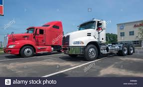 Cab Red Truck Stock Photos & Cab Red Truck Stock Images - Alamy