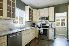 Marvelous Off White Shaker Kitchen Cabinets With Style Subway Tiles