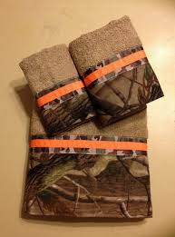 realtreeap camo and neon orange bath towel set by ladydiblankets