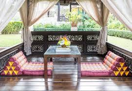 gemütlichkeit im garten durch eine chillout lounge freshouse