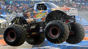 100 Monster Trucks Nashville Jam 2017 Racing Full Episode Video Dailymotion