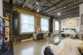 100 The Garage Loft Apartments Davis Building For Rent In Downtown Dallas TX