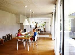wohnküche mit langem holztisch bild 9 schöner wohnen