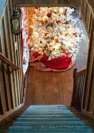 Scandinavian Christmas Tree Decorating Theme With DIY Ornaments