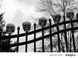 Halloween Cemetery Fence Ideas by 42 Best Halloween Fence Images On Pinterest Autumn Decoration