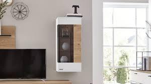 interliving wohnzimmer serie 2104 hängevitrine weiße lackoberflächen balkeneiche eine tür