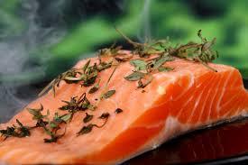 cuisiner pavé de saumon poele celinette cooking cuisson parfaite d un pavé de saumon frais à