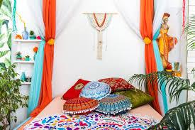 schlafzimmer in hellen farben premium foto