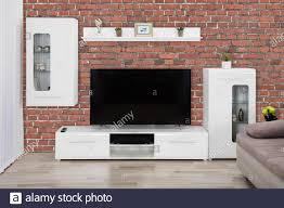 schaufenster innen und flachbild lcd fernseher im modernen