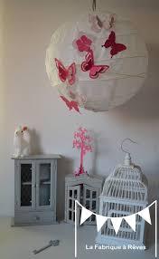 decoration chambre fille papillon abat jour suspension luminaire rond envolée de papillons