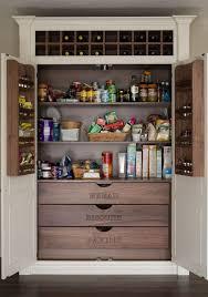 küche organisieren vorratsschrank einräumen lebensmittel