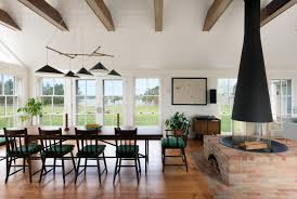 100 Mary Ann Thompson Ann Refurbishes Shingled Cove House In Marthas Vineyard