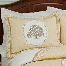Quilts Shams Bedding Decor Pillows