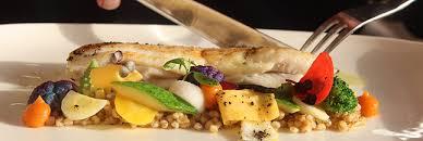cuisine bar poisson bio filet de bar poêlé quinoa et chutney de rhubarbe