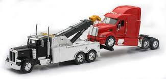 Amazon.com: New Ray Toys 1: 32 Scale Peterbilt Tow Truck With Red ...
