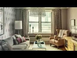kleines wohnzimmer großes sofa so inszenieren sie die effektvoll im raum