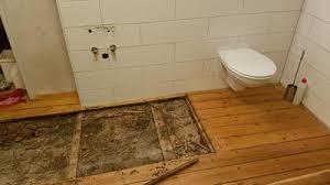 wie neuaufbau wasserschaden dielenboden lehmdecke