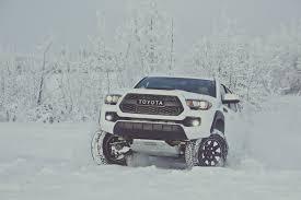 2017 Nissan Frontier Vs. 2017 Toyota Tacoma: Compare Trucks