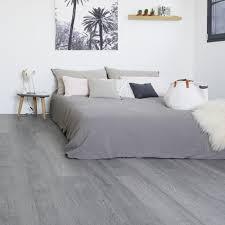 klick vinyl laminat grauer boden grauer vinylboden haus deko
