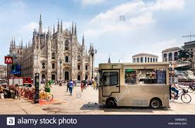 Snack Truck In Front Of The Duomo In Milan Stock Photo: 84531284 - Alamy