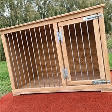 hundeboxen aus holz vollholzboxen hundemöbel