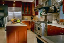 hochglanz küche pflegen so reinigen sie die empfindlichen