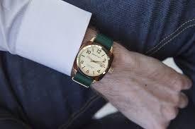 comment porter une montre comment porter chemise en homme archzine fr pour chemise