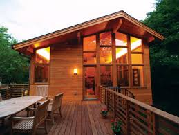 104 Contemporary Cedar Siding Balances An Asymmetrical Structure