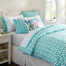 Modern Bedroom Design with Trendy Teenager Girls Bed Teal White