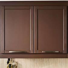 peindre les armoires de mélamine dans la cuisine