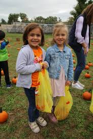 Pumpkin Farms In Fairfield Nj by Students Get Into The Fall Spirit At The Lincoln U0027s Annual