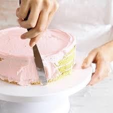 Hochzeitstorte Mit Erdbeeren Und Limetten Erdbeer Ombré Torte