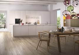 cuisines ouvertes cuisines ouvertes sur salon une cuisine ouverte qui se fond dans le
